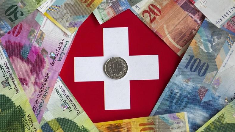 Schweizer Bank in St. Gallen ersetzt Mitarbeiter durch Roboter