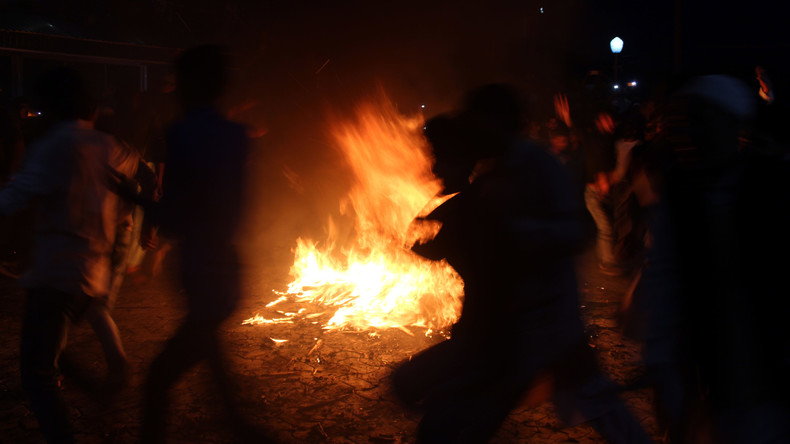 Vergewaltigt und verbrannt: 14 Festnahmen nach Mord an 16-Jähriger in Indien