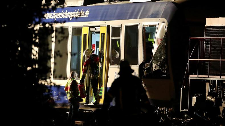 Zugkollision in Bayern: Zwei Tote und 14 Verletzte