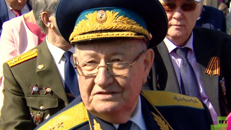 Veteranen bei Siegesparade am Roten Platz: Wo hat Sie die Nachricht vom Kriegsende erreicht? (Video)