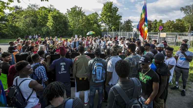 Ellwangen: Asylbewerber protestieren gegen Polizeieinsatz