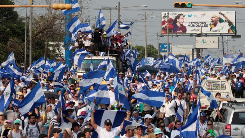 Zehntausende protestieren gegen Staatschef Nicaraguas