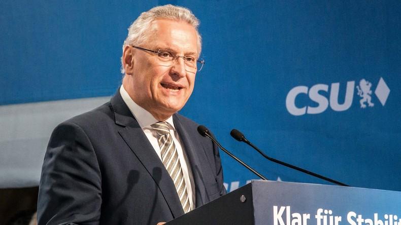 """Bayerns Innenminister unbeeindruckt von Großprotest gegen Polizeigesetz: """"Lügenpropaganda"""""""