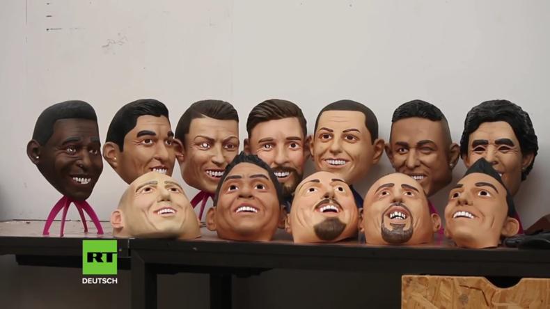 Halloween im Juni? Eine Fabrik formt die Masken berühmter Fußballer anlässlich der WM