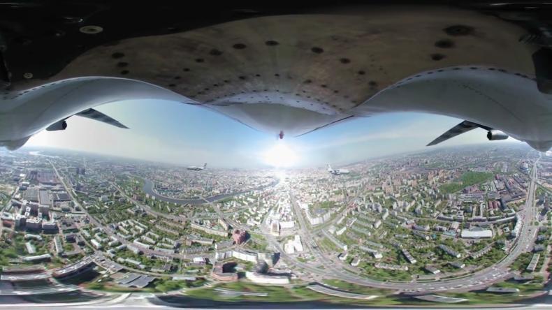 Siegesparade Moskau 2: Ein Flug mit der legendären IL-76 während der Paradenprobe (360°-Video)