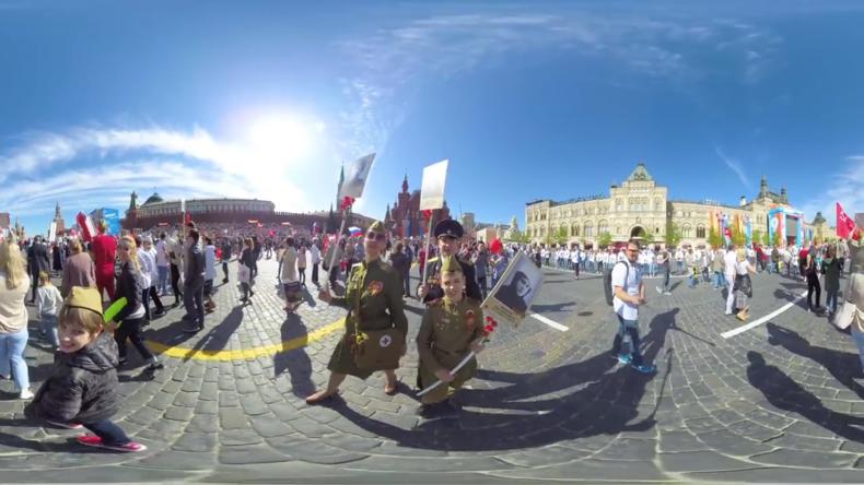 Rekord: Eine Million Menschen marschieren als Unsterbliches Regiment in Moskau (360° VIDEO)