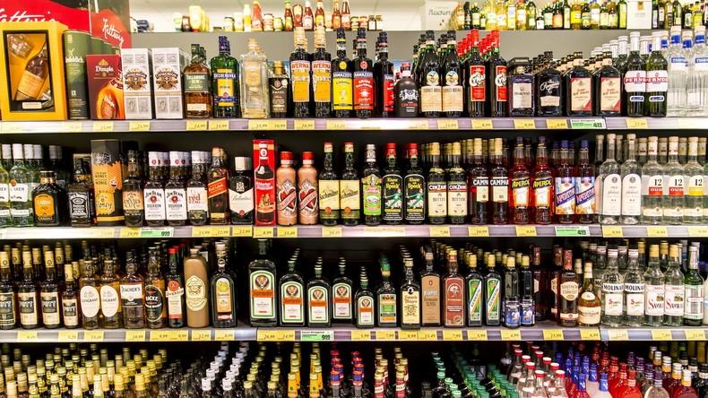 Deutsche geben Milliarden für Bier und Spirituosen aus