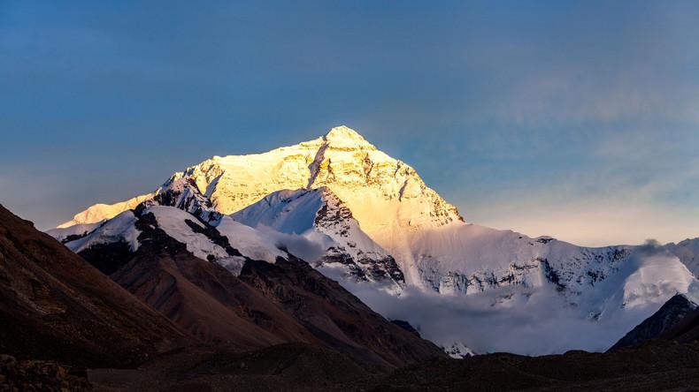 Rentner ohne Unterschenkel erklimmt Mount Everest