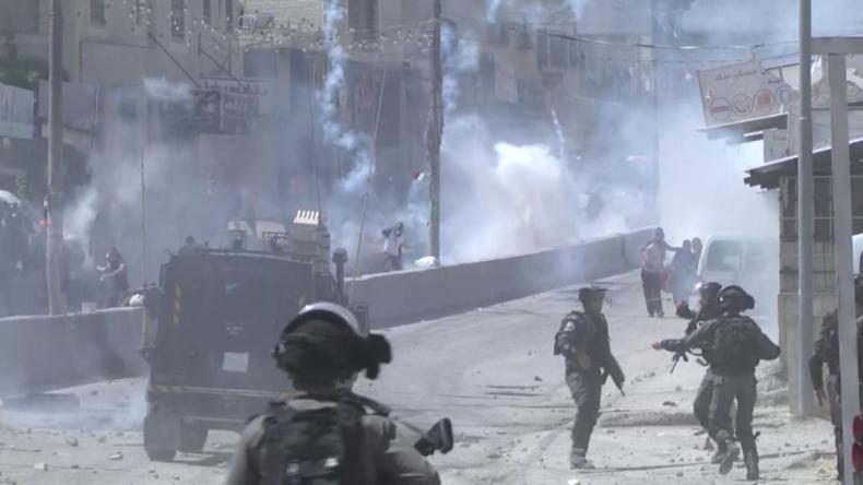 Video zeigt heftige Zusammenstöße zwischen israelischen Soldaten und wütenden Palästinensern