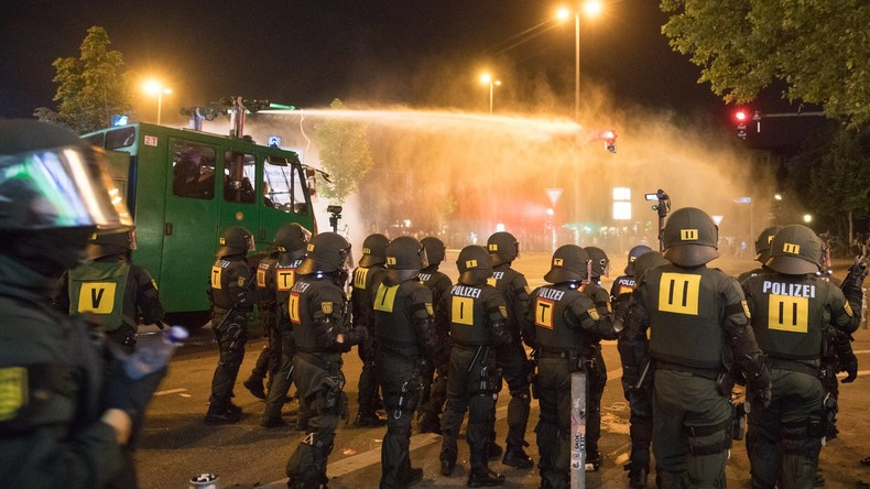 Hamburg: Polizei sucht erneut mit Fotos nach G20-Randalierern