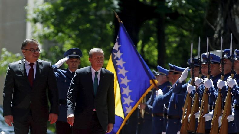 Erdoğans Auftritt in Sarajevo: Ist es Wahlkampf oder nur ein Arbeitsbesuch?