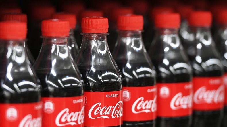 Sommer macht manche durstig: Dieb entführt Coca-Cola-Truck in Sankt Petersburg