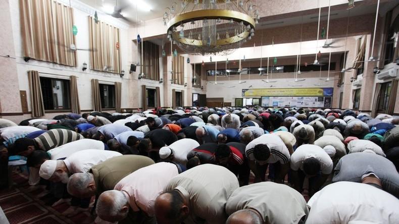 VAE: Christlicher Unternehmer schenkt muslimischen Angestellten Moschee zum Ramadan