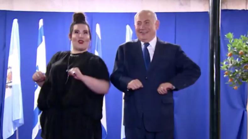 Für sie tanzt er wie ein Gockel – Netanjahu empfängt ESC-Siegerin Netta in seiner Residenz
