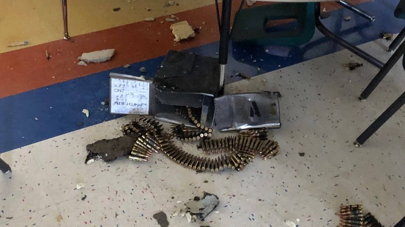 Heftige Niederschläge: Militärhubschrauber lässt Munition über Grundschule in Texas fallen