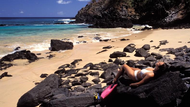 Frau bemerkt ihre Schwangerschaft nicht und verletzt Entbindungsverbot auf Weltnaturerbe-Insel