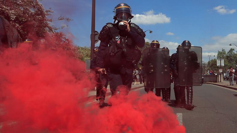 Tränengasgranate verletzt Demonstranten in Frankreich: Hand durch Explosion zerfetzt