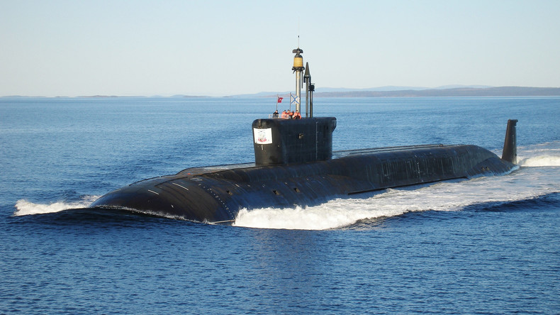 """Erfolgreiches Übungsschießen: Russisches Atom-U-Boot feuert vier """"Bulawa""""-Raketen ab"""