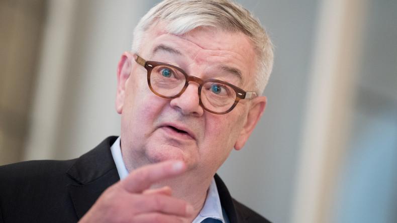 Joschka Fischer im Spiegel-Interview - Fragen, die man eigentlich stellen sollte