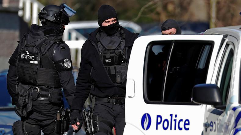 Belgische Polizei nimmt zwei Verdächtige mit Bezug auf Paris-Anschläge 2015 fest