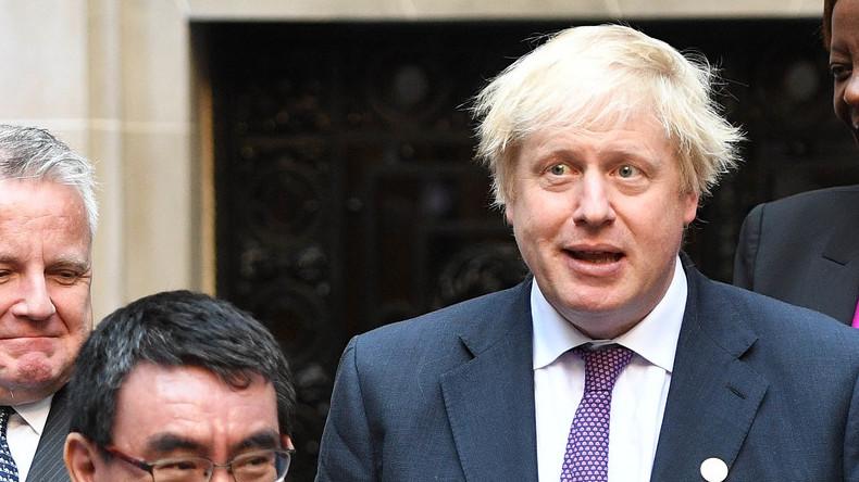 """""""Russland unfähig, bösartigen Aktivitäten zu widerstehen"""": Johnson fällt auf Telefonstreich herein"""