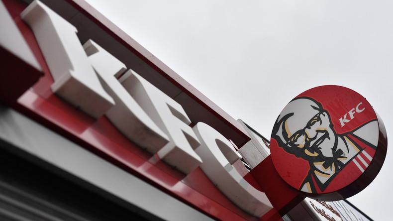 Rassismus-Vorwürfe: Schwarze Touristen filmen Rauswurf aus KFC in Berlin und werden dafür verklagt