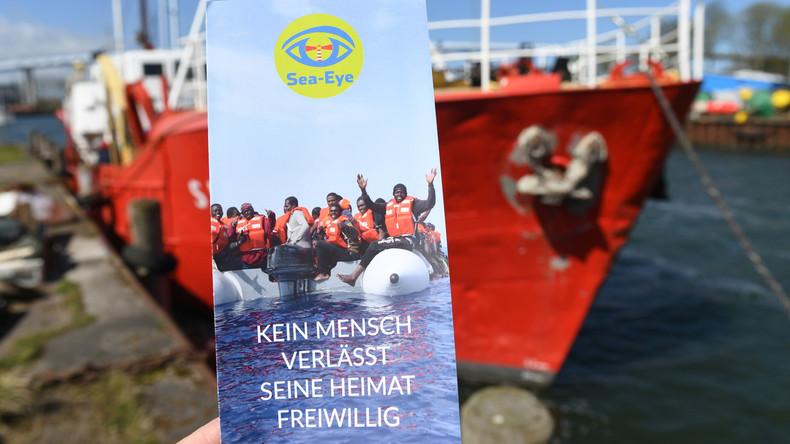 Deutsche Helfer retten 128 Migranten aus Seenot