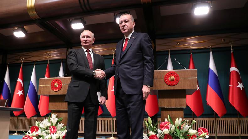 Türkei und Gazprom einigen sich auf landseitigen Ausbau von Turkish Stream