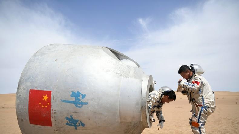 Chinesische Astronauten trainieren Überleben in der Wüste