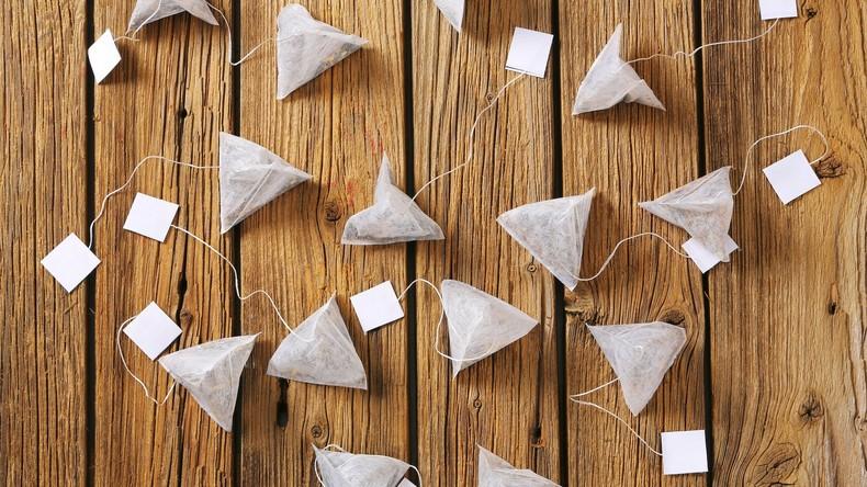 Forscher verbuddeln weltweit 35.000 Teebeutel, um Pflanzenzersetzung besser zu verstehen