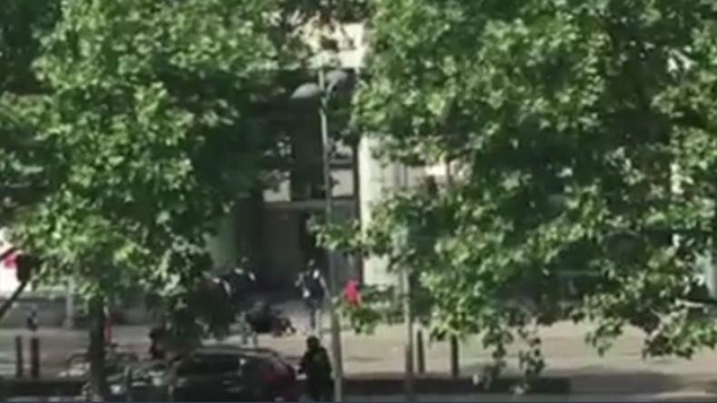 Exklusiv: Video zeigt Moment, in dem Polizei mutmaßlichen Attentäter von Lüttich erschießt