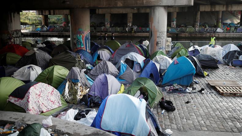 Polizei räumt großes Migranten-Zeltlager in Paris