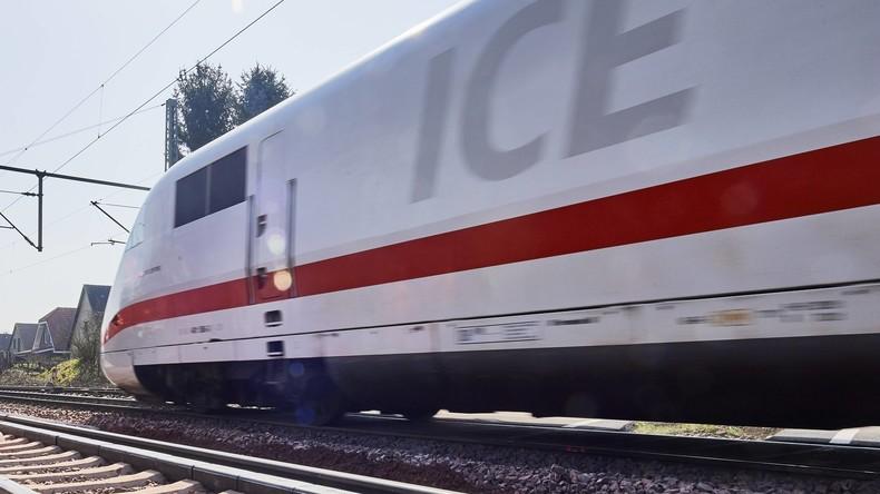 Medienberichte: Polizei erschießt Mann nach Zwischenfall in Zug in Flensburg