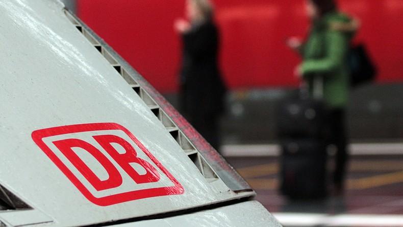 ICE-Waggon qualmt: 200 Reisende verlassen Zug