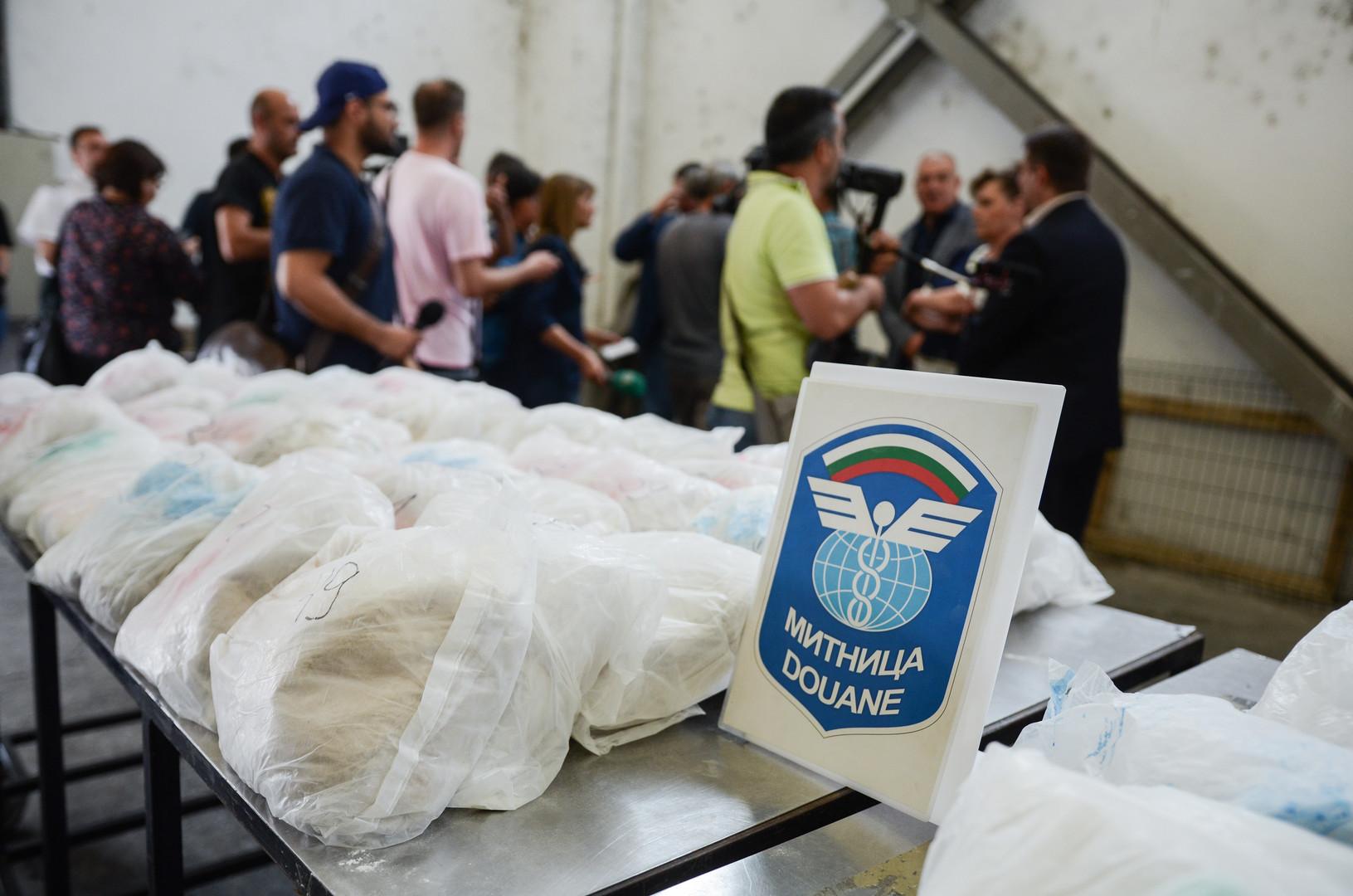 191 Kilo Heroin unter Keramikkleber versteckt - Millionen-Fund beim Zoll