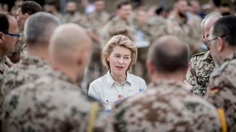 Verteidigungsverteidigerin Ursula von der Leyen (CDU)