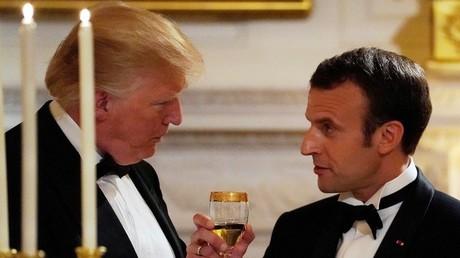 Emmanuel Macron setzt auf gute Beziehungen zu Washington und verteidigt die gemeinsamen Luftschläge auf Ziele in Syrien.