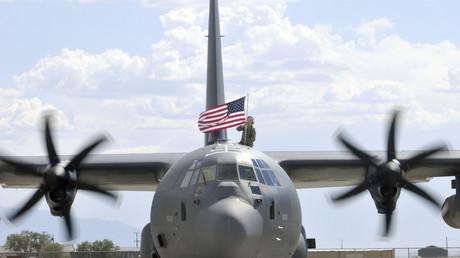 Im Gegensatz zum A400M soll das Transportflugzeug von Lockheed Martin fliegen können.
