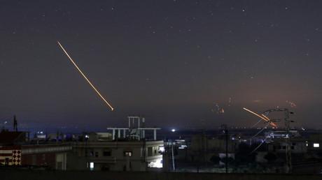 Raketen werden auf Daraa Syrien abgefeuert, 10. Mai 2018.