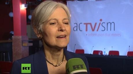 Jill Ellen Stein ist eine US-amerikanische Ärztin und Politikerin. In 2012 kandidierte sie erstmals für die Präsidentschaft der Vereinigten Staaten. Als Kandidatin der Green Party wurde sie 2016 erneut für die Wahl nominiert.