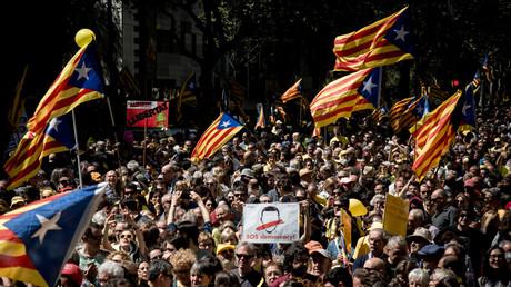 Der Ruf der Katalanen nach Unabhängigkeit wurde von Moskau erhört und durch eigene Hacker und Trolle verstärkt - munkelt man zumindest in NATO-Kreisen.