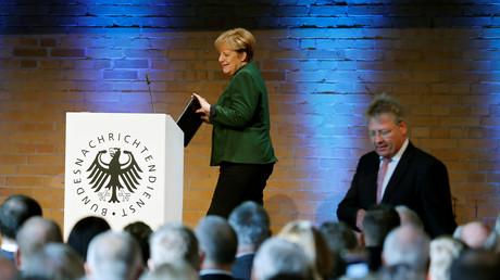 Was wusste Merkel?