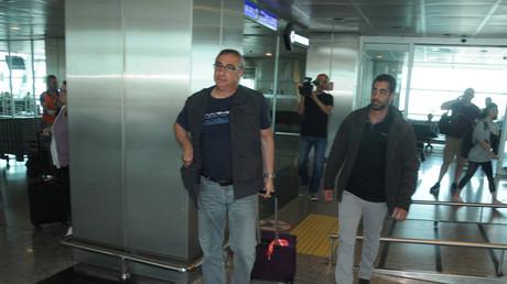 Der israelische Botschafter in der Türkei Eitan Naveh am Abflugterminal des Atatürk International Airport in Istanbul