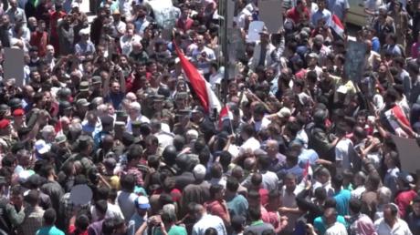 Hier weht wieder Syriens Flagge: Al-Rastan feiert Einzug der Regierungssoldaten und FSA-Vertreibung