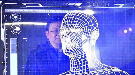 China: Schule überwacht Schülerverhalten im Klassenzimmer mit Kameras und Gesichtserkennungs-Software (Symbolbild)