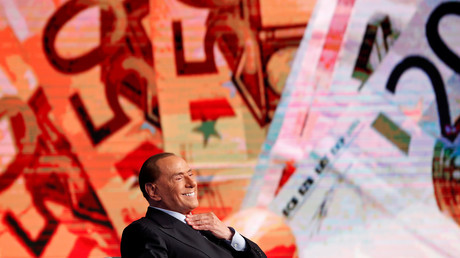 Ex-Sekretärin vererbt Silvio Berlusconi drei Millionen Euro (Symbolbild)