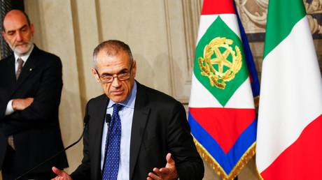 In Italien wird der ehemalige IWF-Mitarbeiter Carlo Cotarelli  übergangsweise die Regierungsgeschäfte übernehmen. Zuvor hatte  Staatspräsident Sergio ...