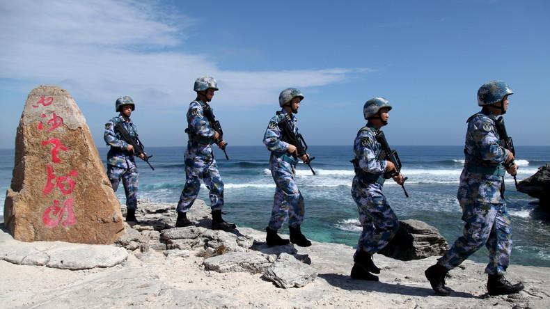 """Bereit zur Verteidigung: Chinesischer General warnt USA vor """"Einmischung in innere Angelegenheiten"""""""