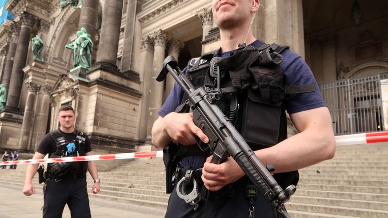 Schüsse im Berliner Dom - Ursache und Motiv immer noch unklar