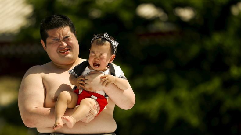 Weinen ohne Scham: Japanische Bürgermeister schließen sich Bewegung für weinende Babies an